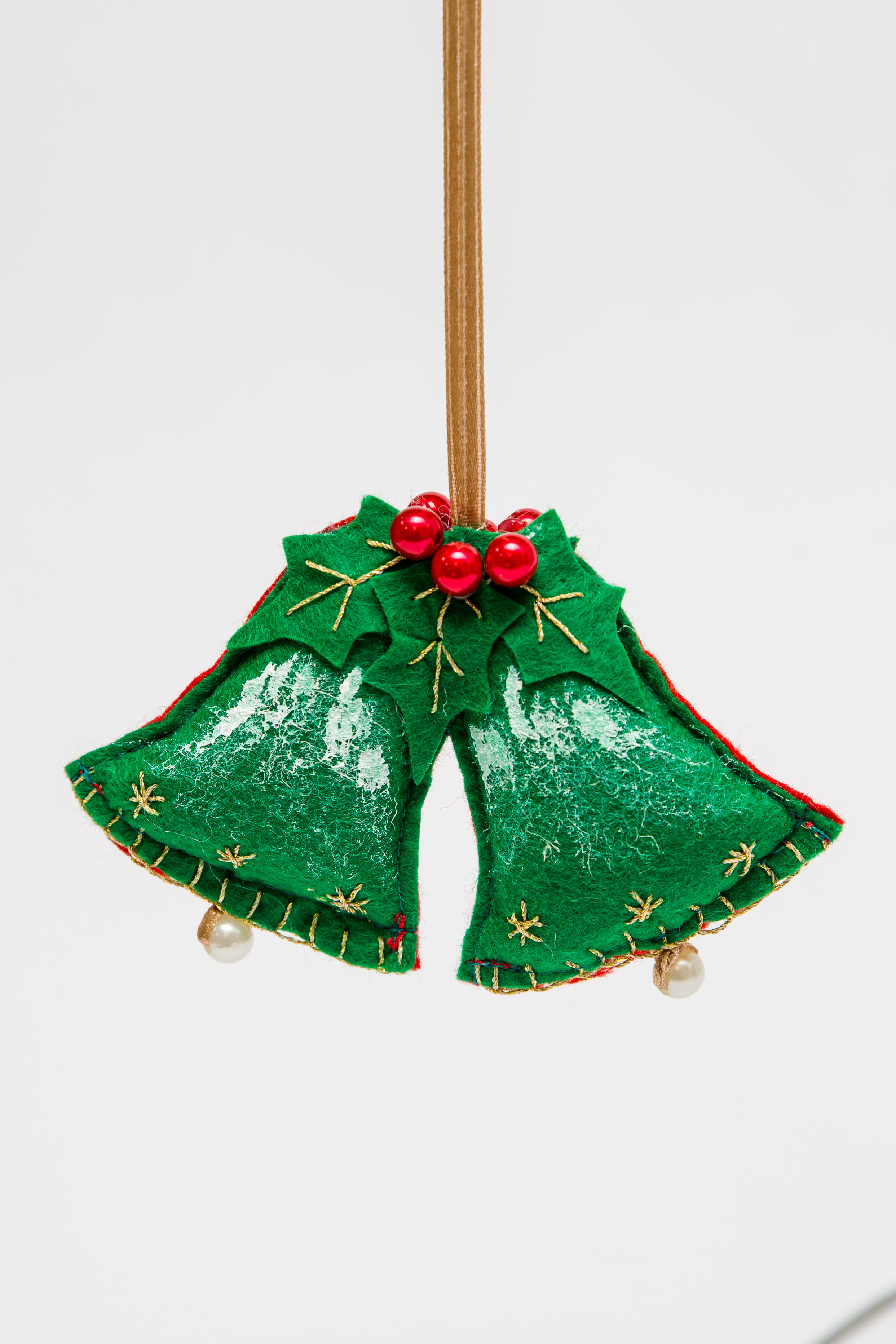 "Ornament brad ""Clopotei"""